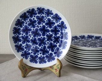 Vintage Dinner Plate, 21 cm / 8,26'' Mon Amie, Blue White Floral Pattern Marianne Westman Rörstrand Scandinavian @132