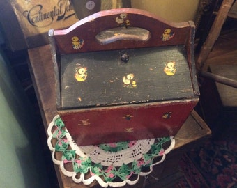 Vintage 1930's Miniture Sewing Basket, Hand Painted