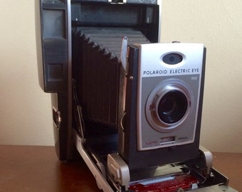 Polaroid 900 Electric Eye Land Camera with Accessories