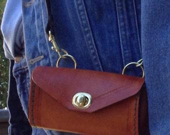 Shoulder strap pouch