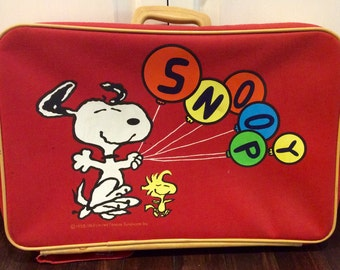 1965 United Features SNOOPY Kids Suitcase, Red Snoopy Suitcase, Snoopy Luggage For Kids, Vintage Snoopy Collectibles, Snoopy,Peanuts Cartoon