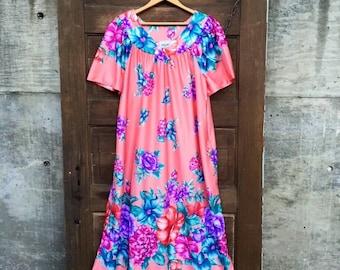 Vintage 70's Coral Pink Floral Print Mumu Style Dress size medium