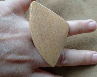 Wood ring// adjustable ring//wedge// triangle// big ring// gift for her// summertime fashion jewelry// natural // fashion jewelry