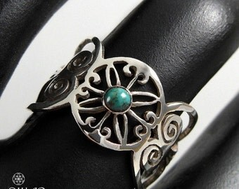 Sterling silver Flower ring, Queen of Sheba antique design ring, set with a turquoise gemstone , delicate small silver ring, gift for her