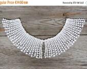 ON SALE White vintage collar crochet Crocheted Detachable collar Lace bib necklace