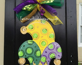 Mardi Gras door hanger, Mardi Gras wreath, mardi gras mask door decor,wooden door hanger, Mardi gras wreath,trendy door decor