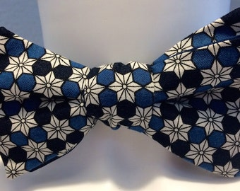 Authentic bowtie in cotton fabric geometric traditional Japanese black, grey and blue
