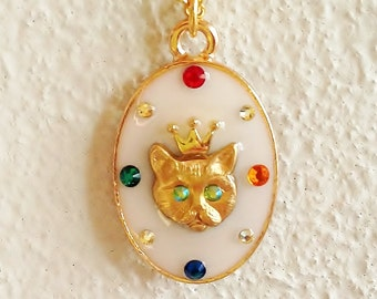 Cat Necklace, Gold Cat Necklace, Cat Pendant Necklace, Cat lady Necklace, Antique Necklace, Rhinestone Cat Necklace, Resin Jewelry
