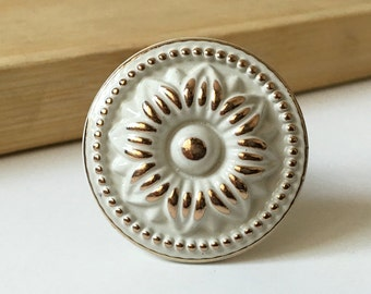 White Dresser Knob Drawer Knobs Pulls Handles / Shabby Chic Drawer Pull Handles Cream Gold Flower / Furniture Kitchen Cabinet Handle Knob