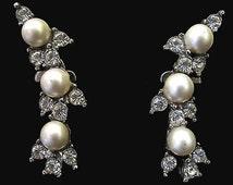 Vtg Earrings Clipback Faux Pearl Rhodium Finish Clear Rhinestone Accents Elegant