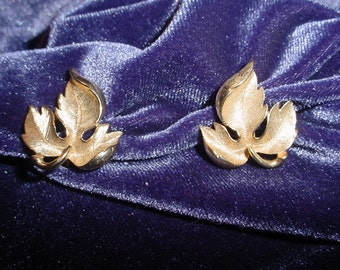 Small Gold Tone Metal Leaf Earrings
