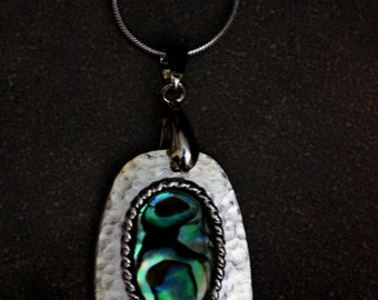Paua Shell Necklace (free shipping)