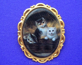 Porcelain 3 BLACK WHITE and YELLOW Cats Playing in Basket Kitty Kitten Cat Feline Cameo Costume Jewelry Goldtone Pin Brooch Pendant for Gift