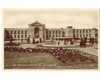 Southampton England vintage postcard | Southampton Civic Center south wing | 1940s UK travel postcard | Southampton Civic Centre