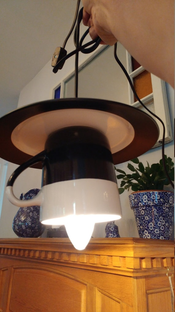 Cup and saucer light