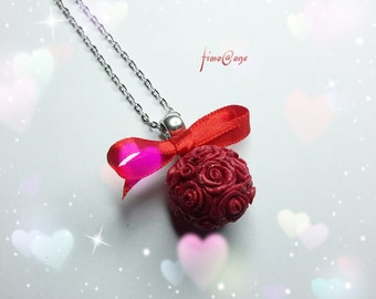Roses in hand-molded Ball fimo necklace