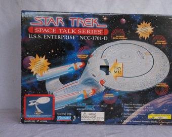 1995 Star Trek Space Talk Series U.S.S. Enterprise NCC-1701-D #044983