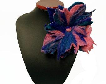 Flower brooch, felted brooch, felted flower, pink, violet, blue, feltmondo