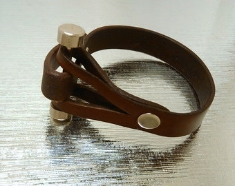 free shipping in .USA.new.ladies bracelet artwork .milk chocolate color Brown genuine leather