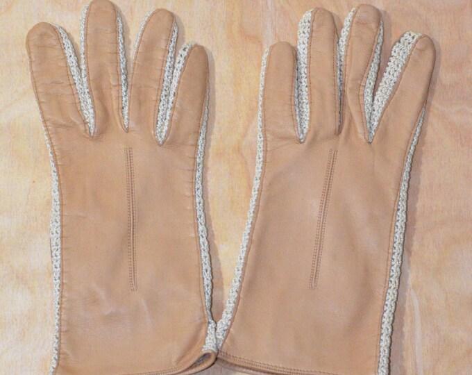 Vintage Estate Tan Leather Cream Crochet Gloves