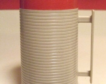 Vintage Aladdin Thermos Hy Lo Wide Mouth Red White WM 1020P 10 Ounce Pint Capacity Solid Plastic Handle Dura Clad Design Coffee Tea Soup EUC