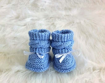 Knitted Baby boy booties - Hand knit baby booties - Blue Baby booties - Newborn boots - Newborn booties - Infant shoes - Cable knit booties