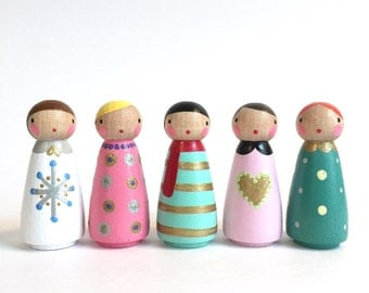 "2"" Winter peg dolls with felt sleeping bag // 5 wooden peg dolls - wooden toys"