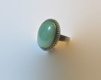 Adjustable retro bronze ring with jade stone