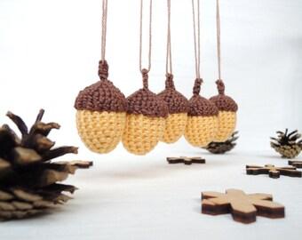 Baby shower decor Set 5 crochet acorns Woodland decor Nursery decor Kids fall Christmas tree ornament Rustic tree ornaments Soft toy acorn