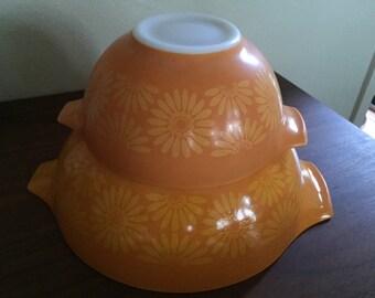 Pyrex Sunflower Mixing Bowls (Set of 2)