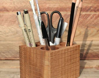 Wooden Desk Tidy made from reclaimed wood - Solid wood - Geometric pattern - by Noted