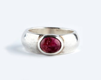 A Pink Tourmaline and Silver Ring