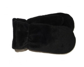 Black mittens, red mittens, grey mittens, lined mittens, warm mittens, polarmitt mittens, warm mittens