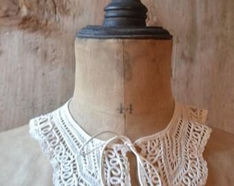 antique collar, Milan silk lace, 1870s