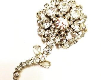 Vintage Brooch. Daisy. Rhinestone. Gold.