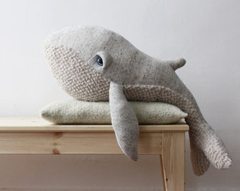 Big Whale <O> Stuffed Animal <O> Plush Toy