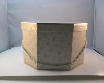 Hatbox - Octangular with cord, Vintage