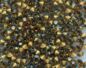 451095*** 30 vintage rhinestones point back 4,0mm,  brown