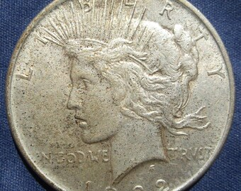 1922 Peace Silver Dollar Philadelphia Mint Great Condition SILVER INVESTMENT
