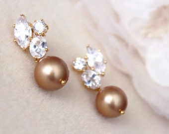 Pearl Wedding Jewelry Mother of the Bride Gift Vintage Gold Swarovski Pearl Earrings Bridal Earrings Mother of the groom gift Mother Jewelry