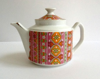 White Floral Teapot with Gold Trim, Lithophane, Made in Japan, 34 Ounces