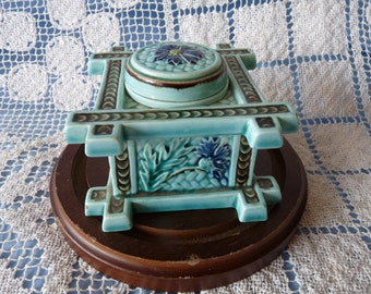 Geschützt TURQUOISE MAJOLICA Square INKWELL with Floral Motif #94
