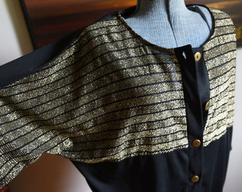 Large/Extra Large - Vintage Black and Gold Top