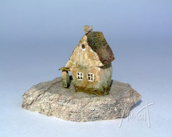 Miniature old house, mini house, stone house sculpture