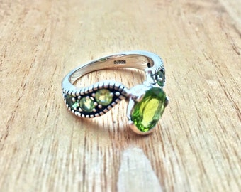 Seven Stone Peridot Silver Ring // 925 Sterling Silver // Oxidized Chanel Setting