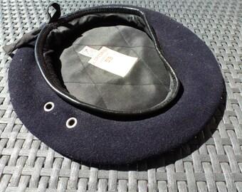 berets black