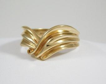 Ladies 14 kt. Yellow Gold Ring