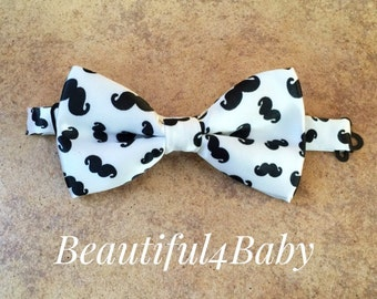 Adult Mustache Bow Tie- Black and White