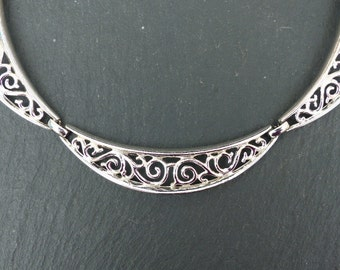 TRIFARI -  1951 Alfred Philippe Silvertone Filigree Panel Necklace - Design Pat no.166,350