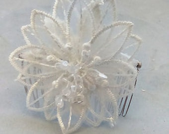 Guipure lace and crystal hair comb